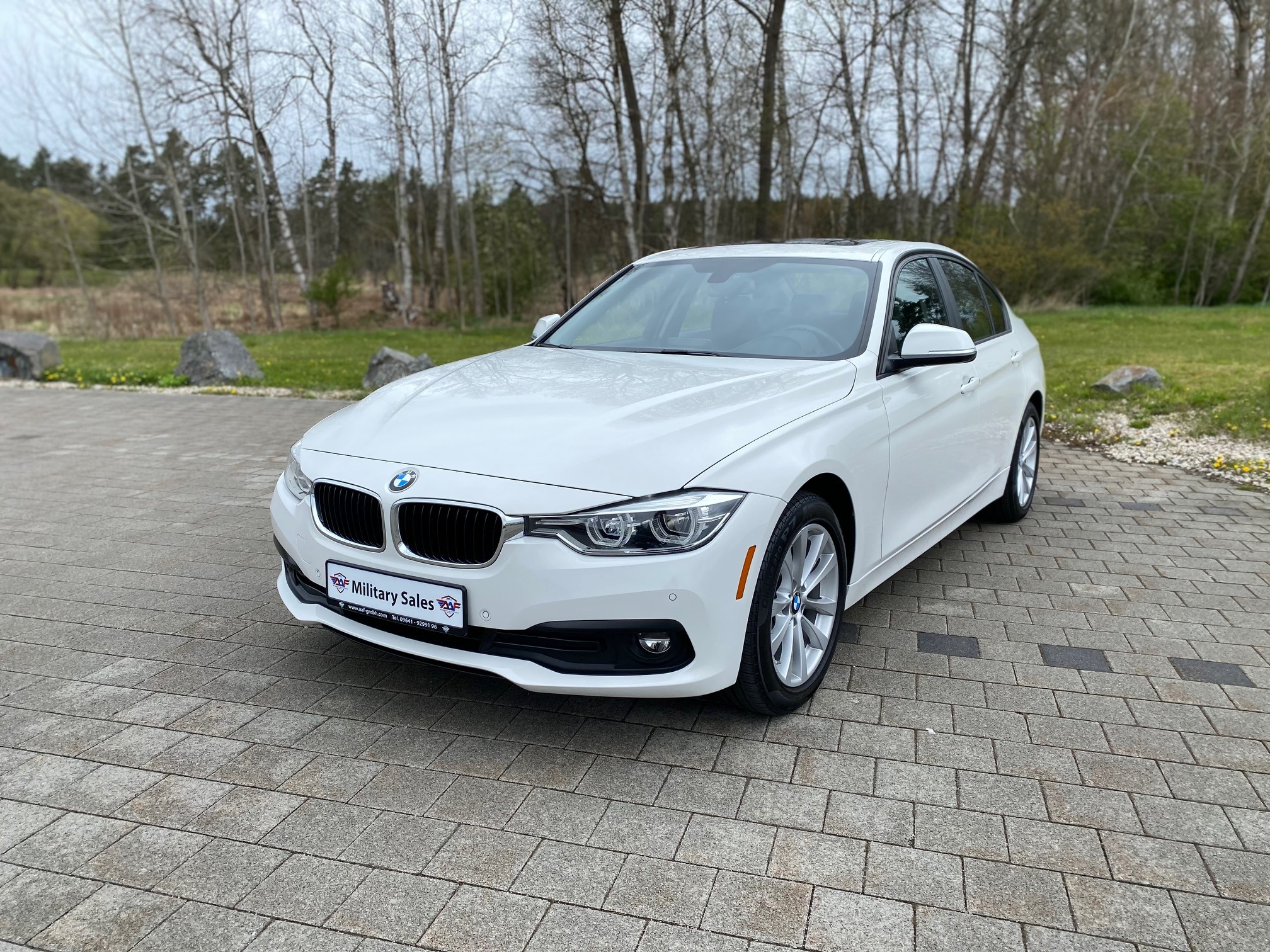 2018 BMW 320i xDrive </br>as low as </br>$189 per paycheck